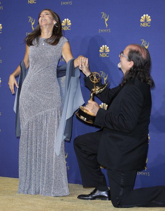 Glenn Weiss pide matrimonio a su prometida