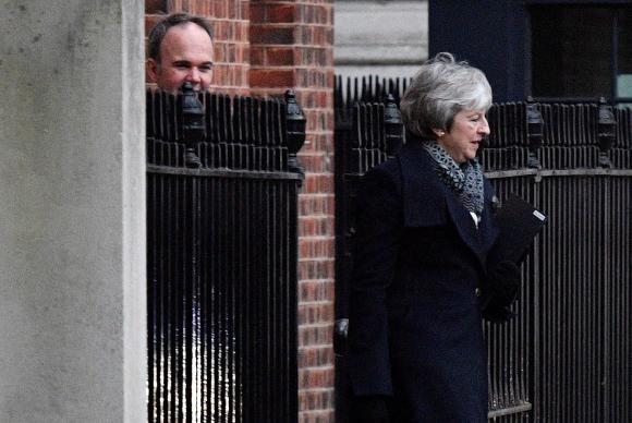 Theresa May logró superar una moción de censura del Parlamento británico — Brexit