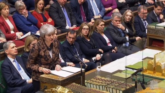 May busca alternativas para lograr un Brexit con consenso