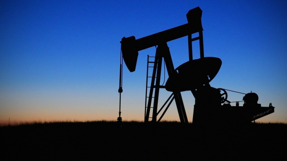 Petróleo de Texas cierra con un ascenso del 0,01 %, hasta 53,27 dólares