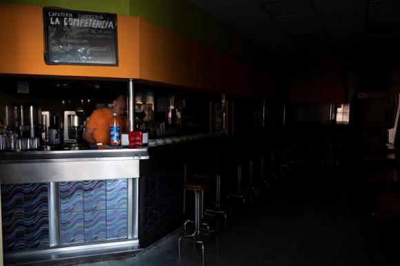 Un apagón deja sin luz a la isla española de Tenerife
