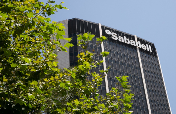 El Sabadell vende su gestora de fondos a Amundi por 430 millones