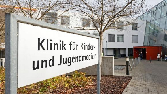 Enfermera detenida por intentar matar a cinco bebés con morfina en Alemania