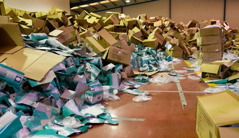 Un ladrón roba dos millones de mascarillas anti-coronavirus de un almacén